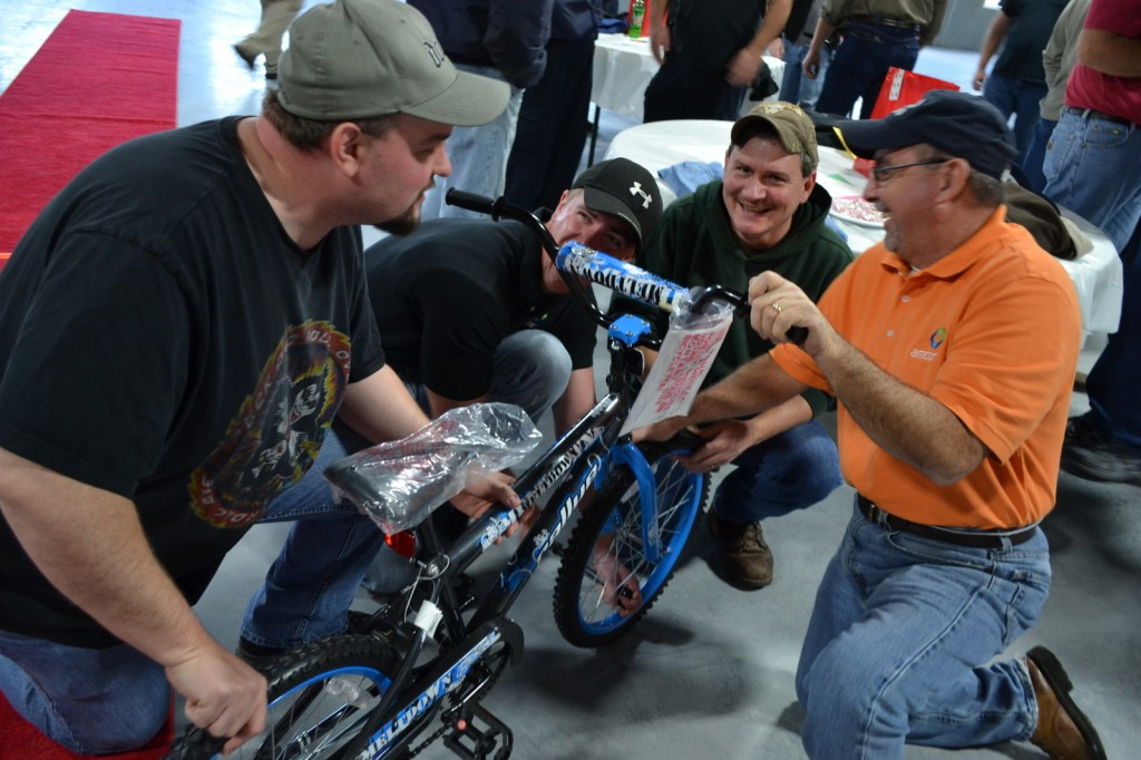 Roanoke VI Fun Team Bike Build
