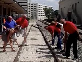 Allied Builders Raced Through Orlando on a Camaraderie Quest Team Scavenger Hunt