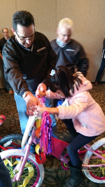 United-Conveyor-Builds Bikes for Kids in Chicago